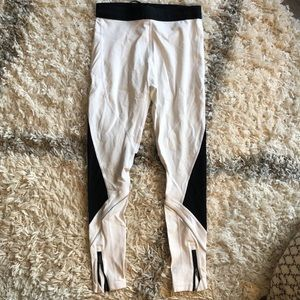 Victoria Sport legging! Never worn!